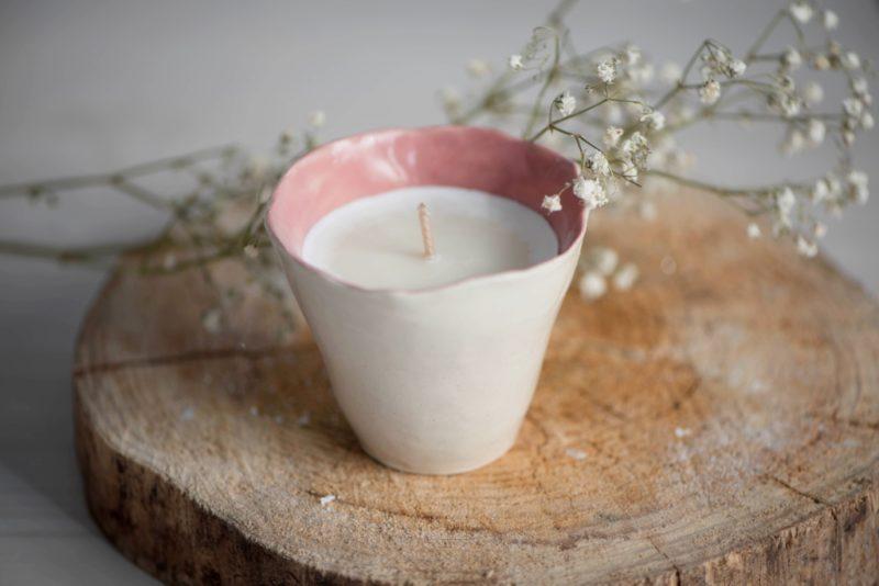 Bougie Une cigale en Provence rose